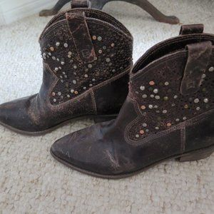 Women's Distressed Leather Cowboy Boots Size 7.5